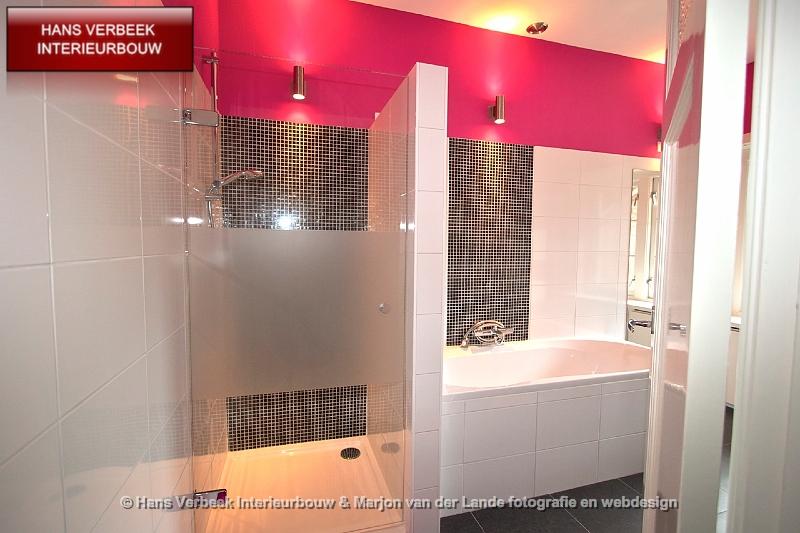 Badkamer zwart wit en roze