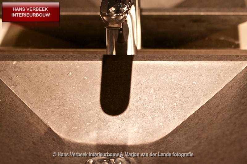 Moderne doucheruimte best wasbak detail 2 for Moderne doucheruimte