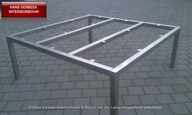RVS ijzeren metalen onderstel tafel, salontafel, tuintafel, tuinset, reklameframe, trapleuning